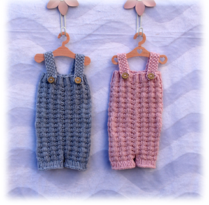 Muster Overall eisblau und rosa